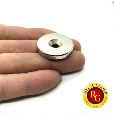 Nam châm viên tròn 30x5 lỗ 5mm
