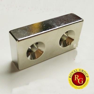 Nam châm đất hiếm 40x20x10 2 lỗ 5mm